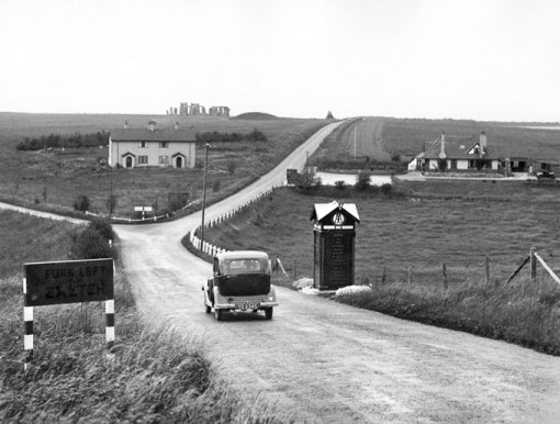 The approach to Stonehenge on the A303 road in 1930